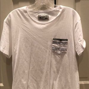 White t shirt with Striped pocket